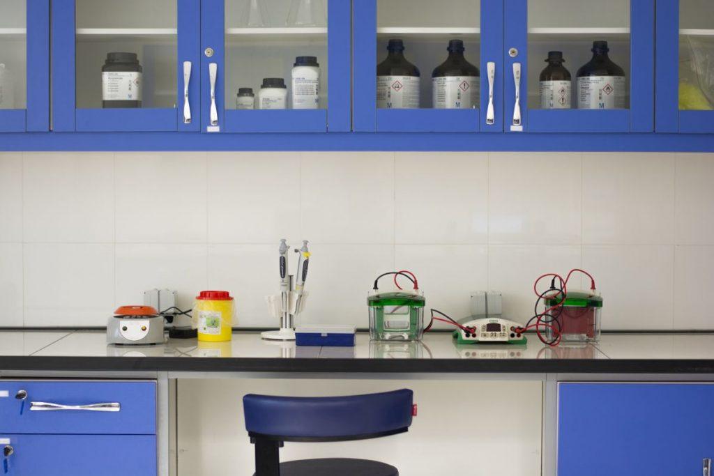 آزمایشگاه ژنیران